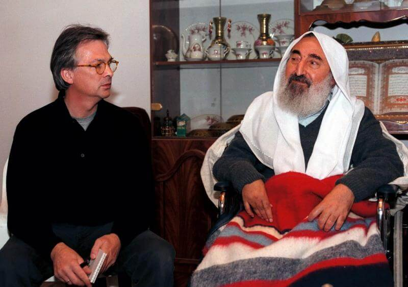 "Juergen Hargrefe of ""Der Sp;iegel"" with Sheikh Yassin"