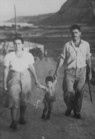 יוסף יחד עם הוריו
