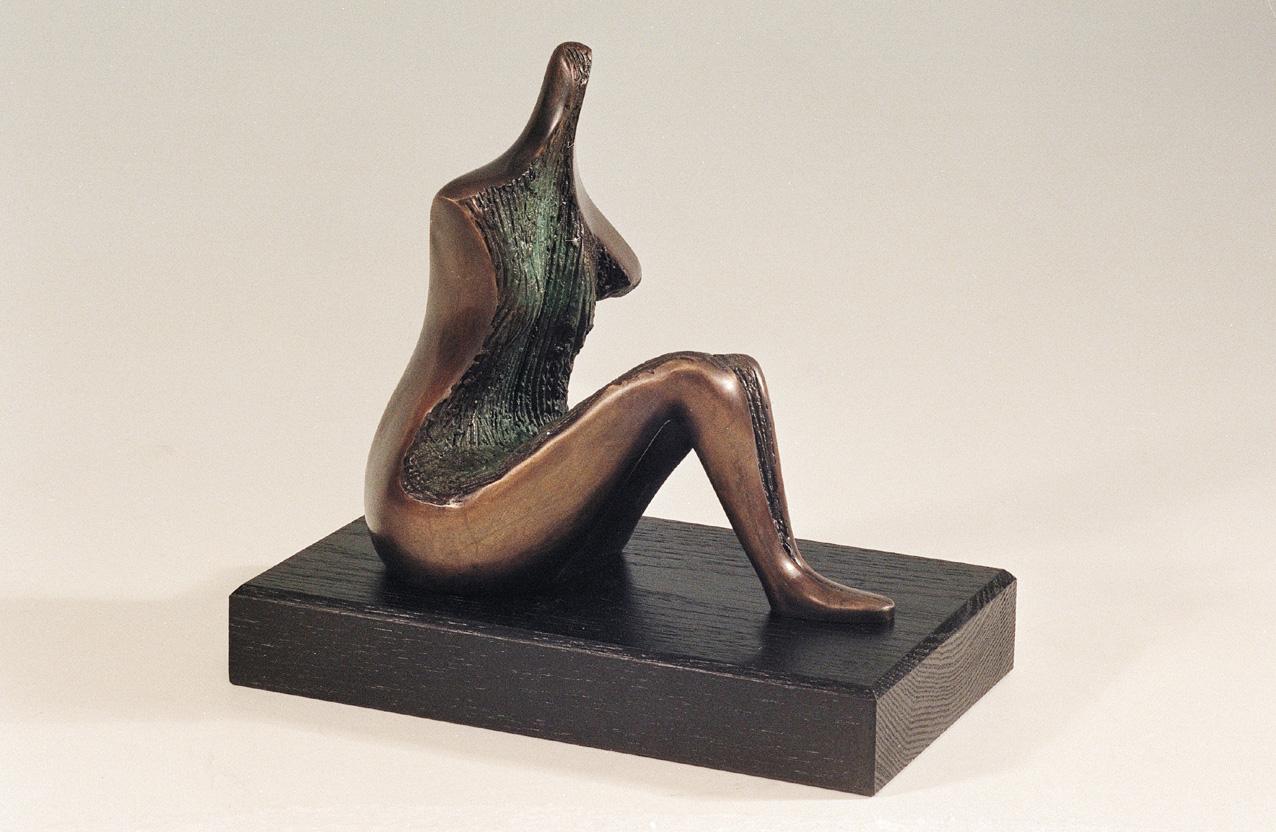 13. A Figure | Bronze | 23x22 cm. 9x10 in.